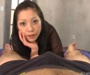 小向美奈子のじらしながらのバキュームフェラで顔にぶっかけ大爆発