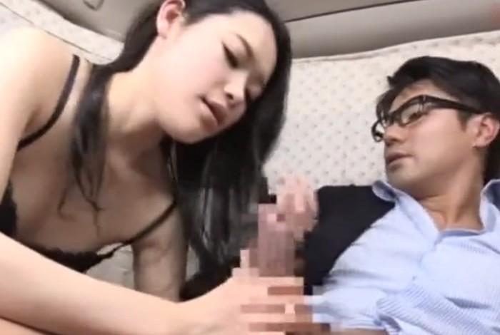 吉祥寺のセレブ人妻を車内に連れ込みバイブと電マでイカせまくり中出しセックスをする